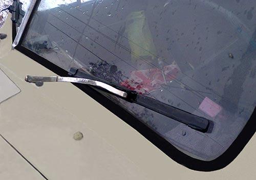 Поводки со щетками на автомобиле Победа М-20