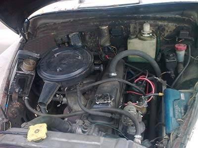 Моторное отделение легкового автомобиля Победа М-20.